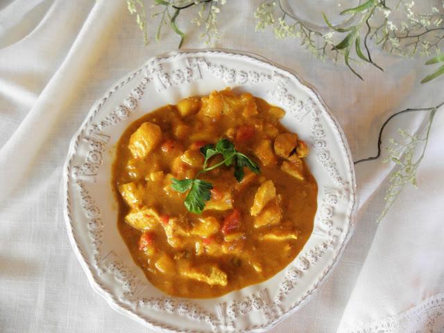 The Cozy Little Kitchen: Thai Mango & Chicken Curry