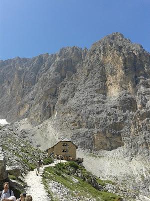 Langkofelhütte, Str. Pana 37, 39047 St. Christina BZ, Italy