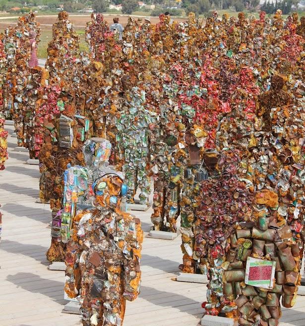 תערוכה ״אנשי הזבל״ בפארק אריאל שרון