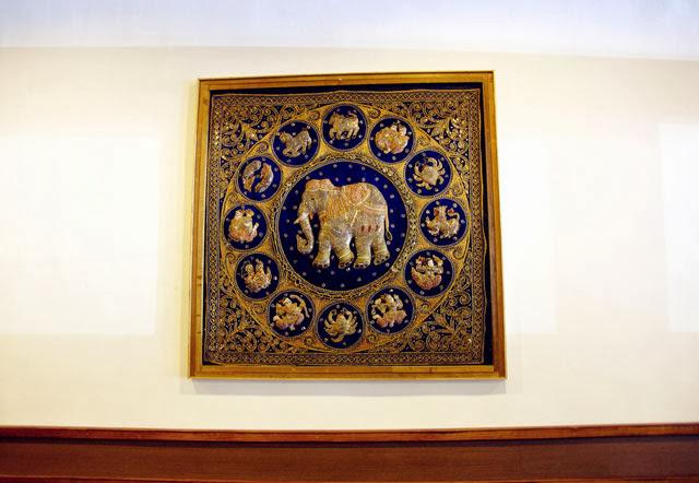 大象雕刻-泰僑村台中泰式料理