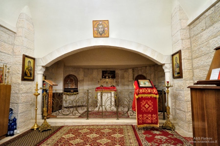 Внутри храма  Иоанна Крестителя . Экскурсия в Горненский монастырь.  Гид в Израиле Светлана Фиалкова.