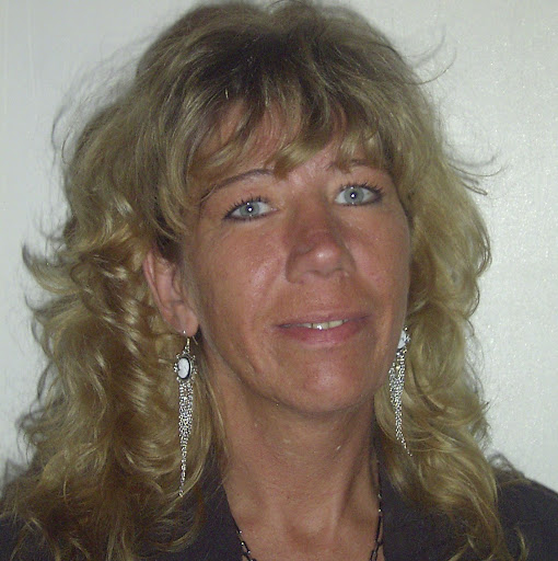 Stephanie Kuhn