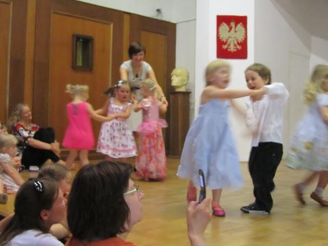 helena tańczy