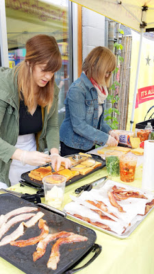 Lindsay Strannigan of RoseMarried.com (along with her mom here) presented The Kimcheeze, with Franz Texas Toast with bacon, Tillamook Sharp Cheddar Cheese, Choi's Spicy Kimchi and Green Onions. #franzgrilledcheezeday