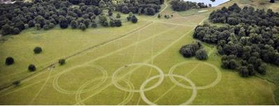 Londres: Inmensos aros olímpicos reciben a los visitantes