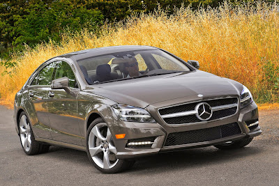 Mercedes-Benz-CLS550_2012_1600x1067_Front_Angle_03