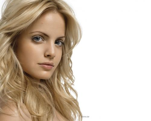 Mena Suvari  #girls magazine:picasa,girls magazine