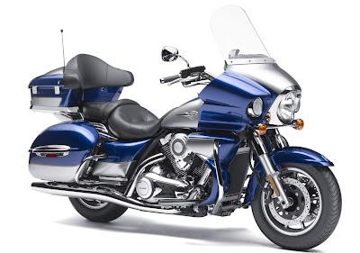 2011-Kawasaki-Vulcan-1700-Voyager-Imperial-Blue