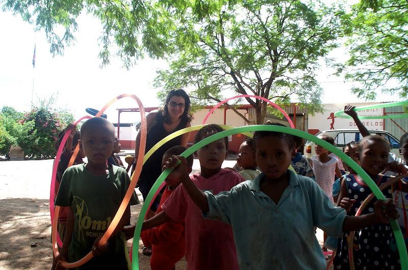 Alicia con los niños de Ombili