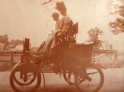 Little Shelford's first car owned by Dr Margolis 1905