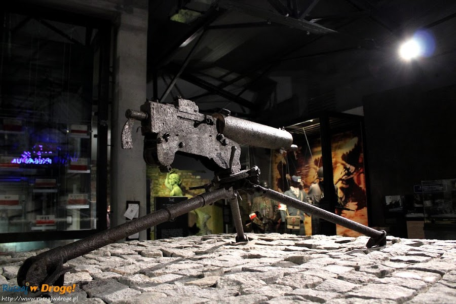 muzeum powstania warszawskiego - karabin MG 42