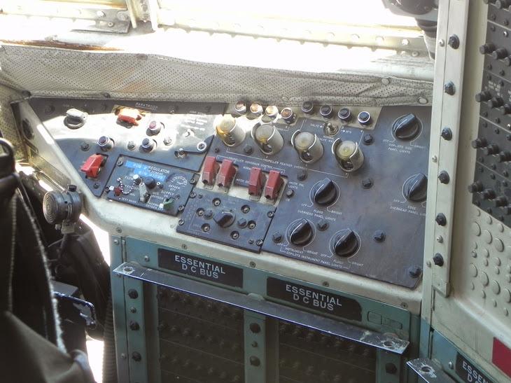 Panel lateral del piloto