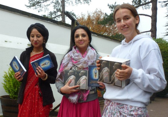 Bhaktivedanta Manor's Book Distribution Breaks Records! thumbnail