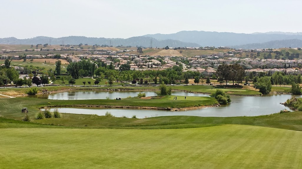 Shadow Lakes Golf Course