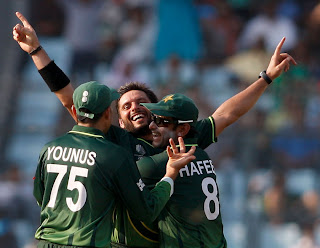 Shahid Afridi is elated after getting the wicket of Kieron Pollard, Pakistan vs West Indies, 1st quarter-final ICC Cricket World Cup 2011, Mirpur, March 23, 2011