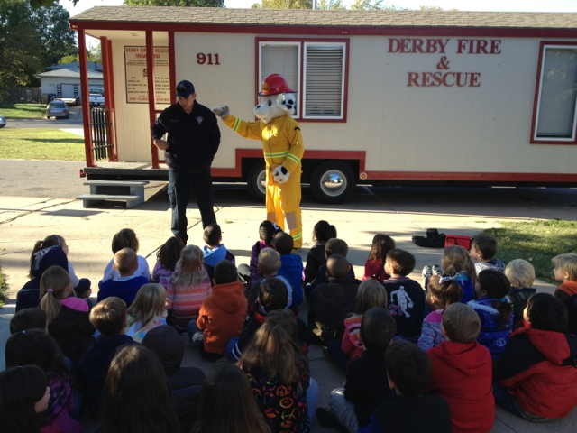 The Firemen Discuss With Kids What Theyre Supposed To Do If Theres A Fire In Their House