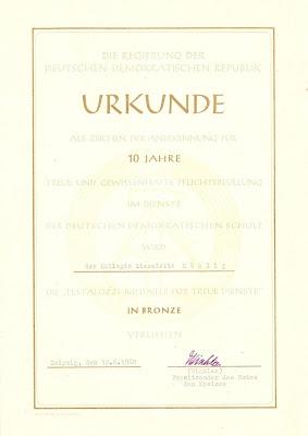 162b Pestalozzi-Medaille für treue Dienste in Bronze www.ddrmedailles.nl