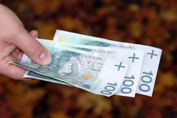 pieniądze dla zadłużonych