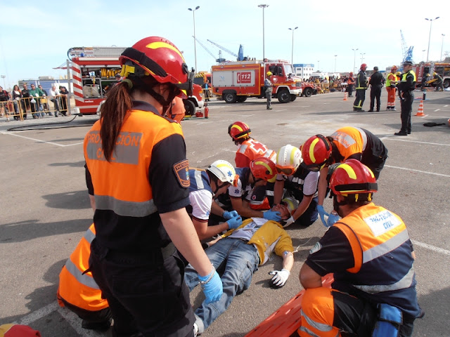 Nuestros voluntarios durante el Accidente de Multiples Victimas, colaborando con una Unidad de SVA.