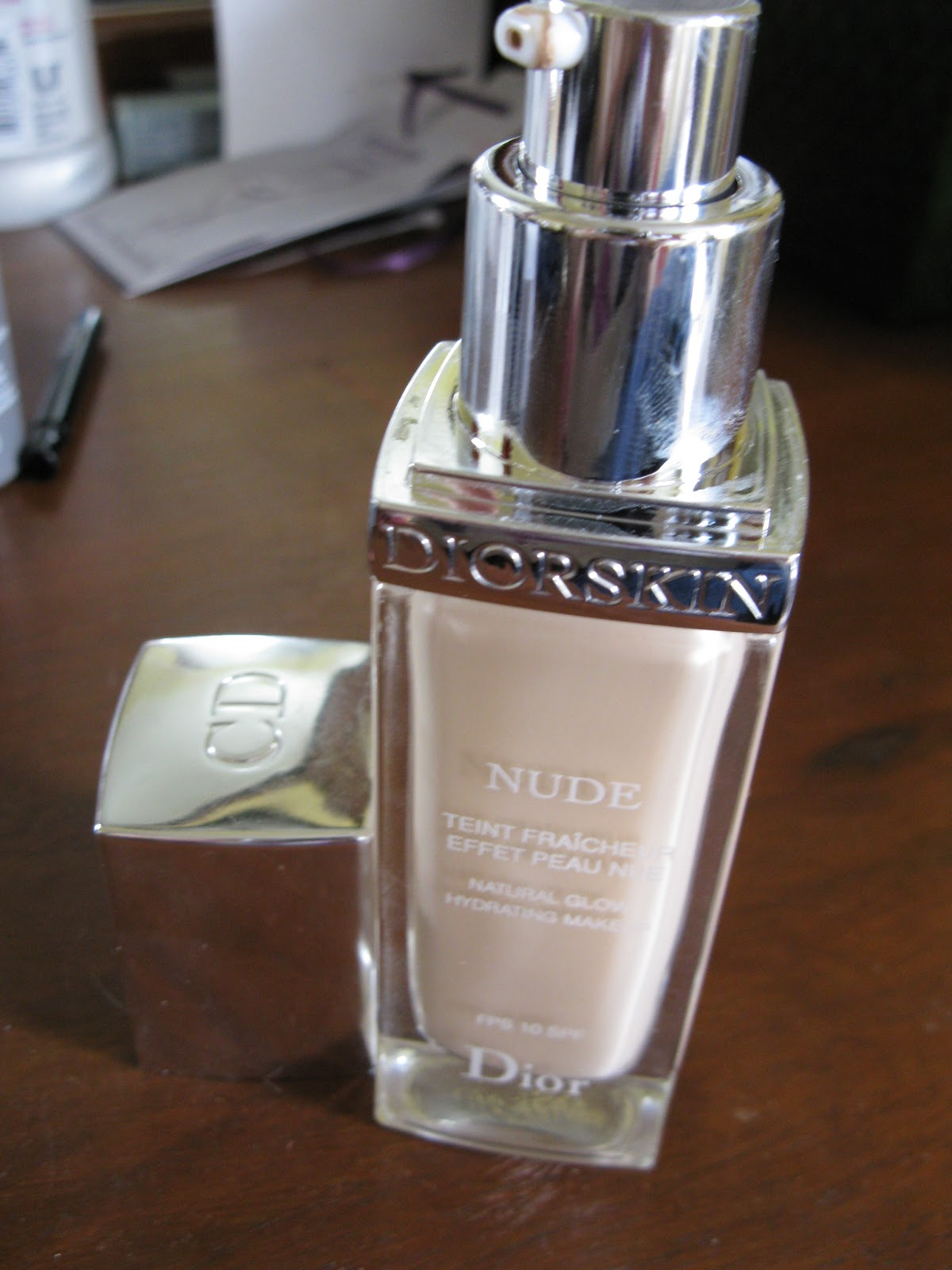 beauty and the newb dior diorskin nude foundation in 010 ivory. Black Bedroom Furniture Sets. Home Design Ideas