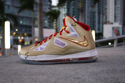 nike lebron 10 pe championship gold 6 03 Nike LeBron X Ring Ceremony PE   Pics & Video by Stickie213
