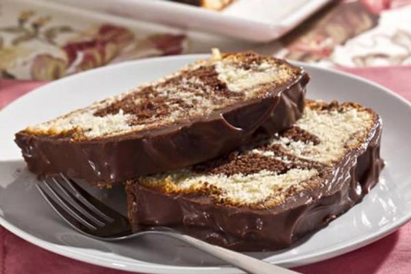 Bolo Mesclado de Chocolate e Coco