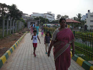 29-Jun-2011 Pic: Usha Rajagopalan Evening walkers.