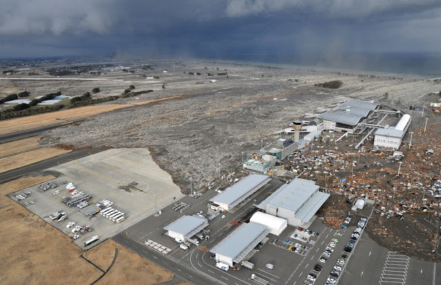 Japan Tsunami photos