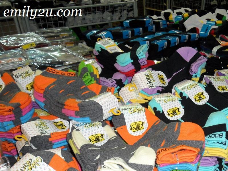 Body Glove socks