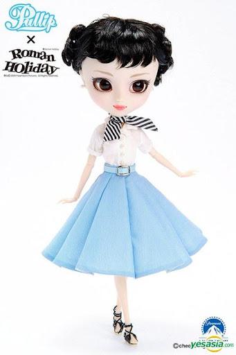 pullip princess ann vacaciones en roma roman holiday ropa informal falda azul blusa blanca pañuelo sandalias