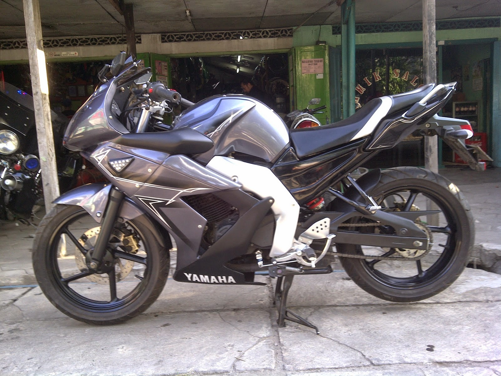 byson modifikasi r6