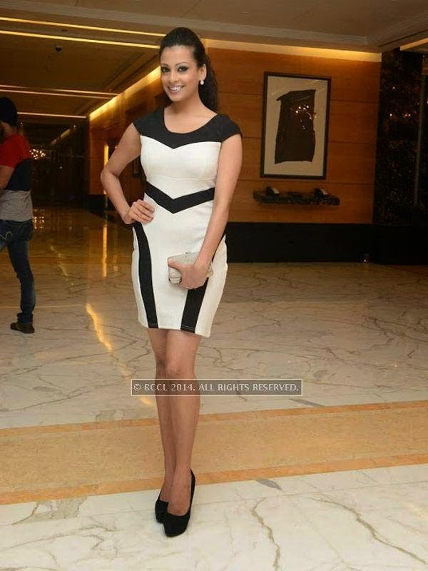 Swetha at Sam Paul success party at Taj Clubhouse in Chennai.