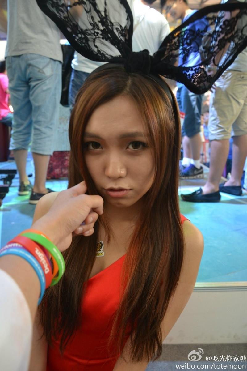 Sờ tận tay các showgirl tại ChinaJoy 2013 - Ảnh 22