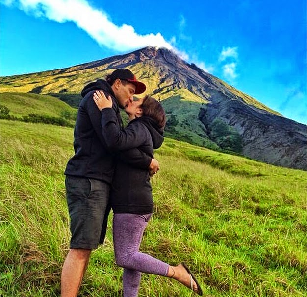 Eric 'Eruption' Tai & Girlfriend are Engaged at Mayon Volcano