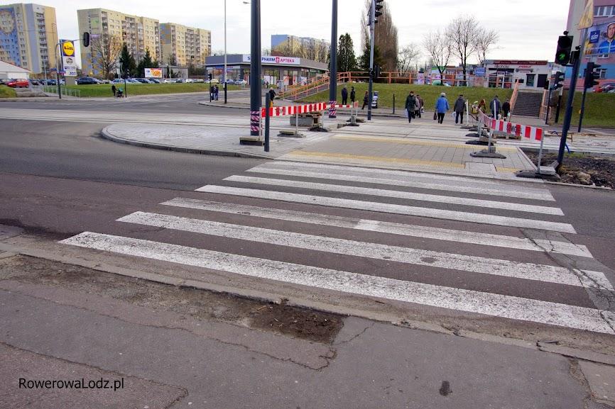Właśnie w ramach trasy W-Z remontowane jest przejście dla pieszych. NIKT nie pomyślał o rowerowym przejeździe