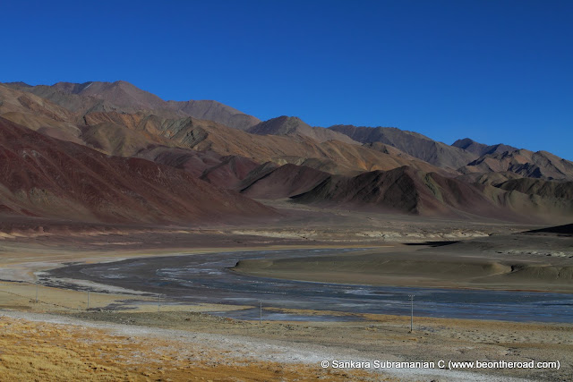 The frozen Indus flows through the Changthang Cold Desert