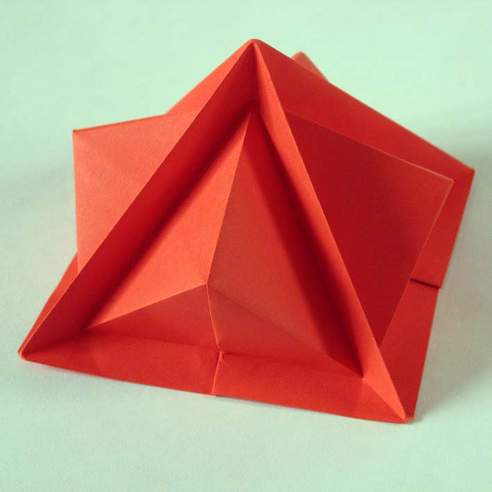 Origami: Piramide terza - Third pyramid, by Francesco Guarnieri