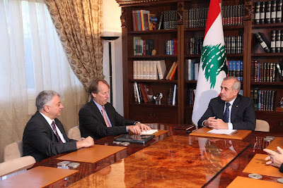 Leaders from ICANN and ISOC Lebanon meet with the President of Lebanon. From L to R: Nabil Bukhalid, President of ISOC Lebanon; Rod Beckstrom, President & CEO, ICANN; Michel Suleiman, President of Lebanon.