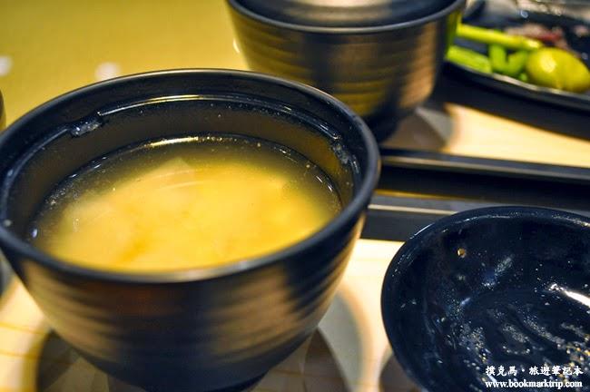 定食8味噌湯