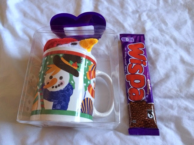 Christmas snowman mug and sachet hot chocolate