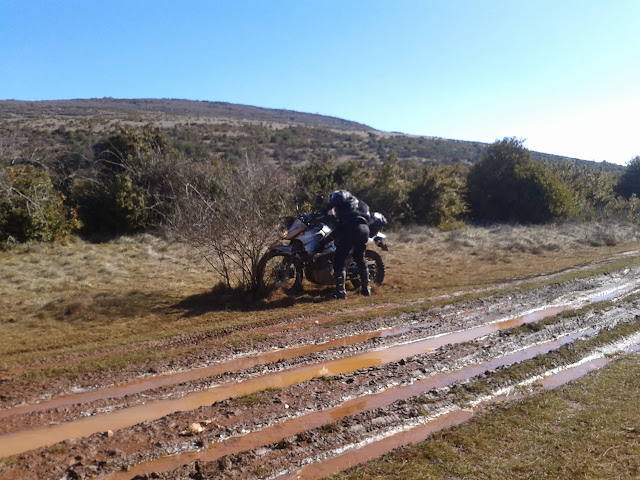 rando mixte 60/40 1er & 2 mars du Gard à Millau (boucle 450km) - Page 7 Photo-0013