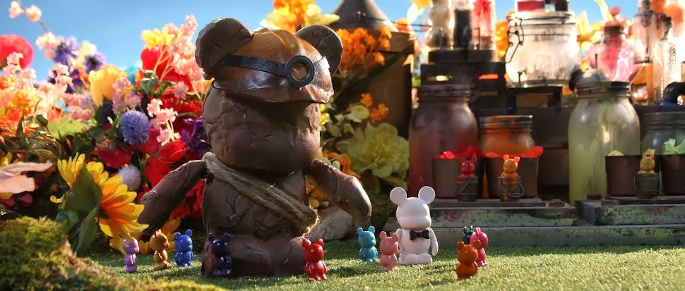 "Disney's ""Blank: A Vinylmation Love Story"" Short Film #BlankandBow"