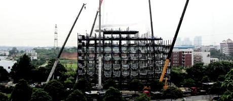 edificio Levantan un edificio de 15 plantas en dos días