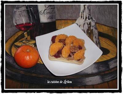 Tartine aux noix, magret fumé et mandarine