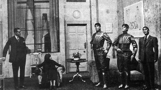Escena de la representación teatral en donde se utiliza por 1ª vez el concepto actual de «robot»