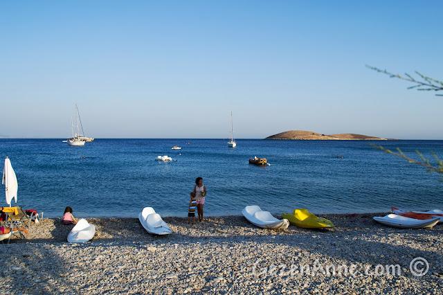 lacivert denizli Palamutbükü sahilinde dolaşırken, Datça
