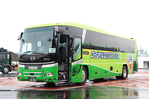 富士観光バス「ロイヤルエクスプレス」東京便 海老名SAにて