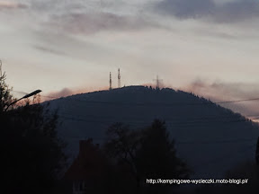na zdjęciu Chełmiec szczyt z oddali