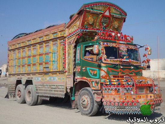 شاحنات باكستانية مزخرفة 8.jpg
