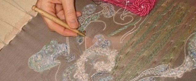broderie perlée (pose de perles et paillettes au crochet de Lunéville), création Karine L., PerleQuiRoule